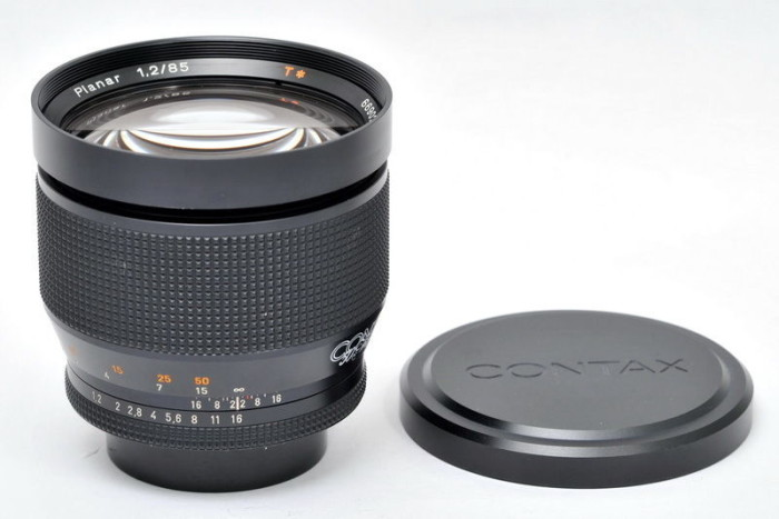 Zeiss_planar_85mm_12