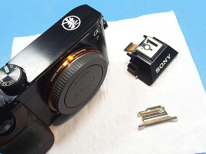 Images of the modified A7 Full Frame E-mount camera without EVF ...